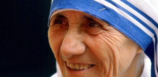 Tributo a Madre Teresa de Calcutá - 25/Ago - 15h